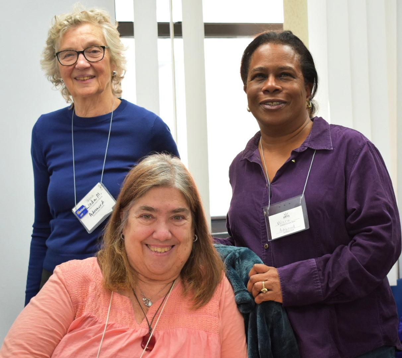 Volunteer Photo Linda McLaughlin